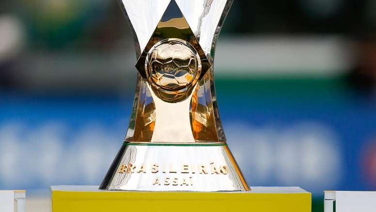 Times campeões, promovidos e rebaixados nas quatro divisões do Brasileirão. Goal