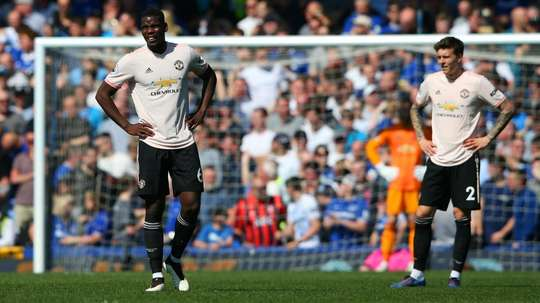 Fowler says Liverpool will need a big favour from United. GOAL