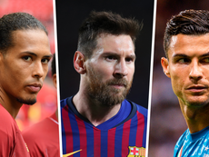Messi, Cristiano Ronaldo e Van Dijk são os finalistas do melhor do ano da Uefa. AFP