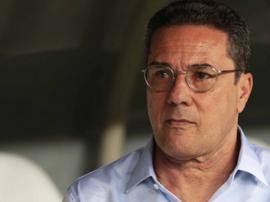 Sonhando com Sampaoli, Palmeiras acorda com Luxemburgo e torcida se manifesta. AFP