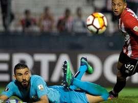 Estudiantes 0 x 1 Santos: Vanderlei brilha e ajuda a garantir vitória do Peixe na Argentina