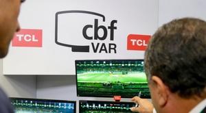 VAR árbitro vídeo CBF Brasil