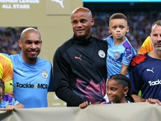 Neville nightmare, silky Scholes and AWOL Balotelli? The best of Vincent Kompany's testimonial