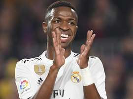 """Vinícius Jr vibra com """"ano genial"""" e promete títulos pelo Real Madrid."""