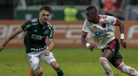 Vinícius Júnior critica arbitragem, mas comemora resultado fora de casa