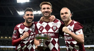 Iniesta guides Vissel Kobe to first trophy in Villa's final match. Goal