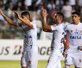 Santos não tem substituto para o meio. Goal
