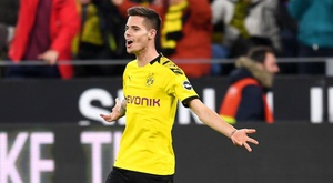 Benfica complete Weigl purchase. GOAL