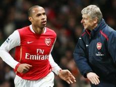 Arsène Wenger salue l'arrivée de Thierry Henry. Goal