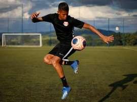 Weverton assinou com o Massa Bruta até 2024 e pertencia ao Cruzeiro. Goal