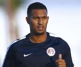 Vainqueur rejoint Monaco. Goal