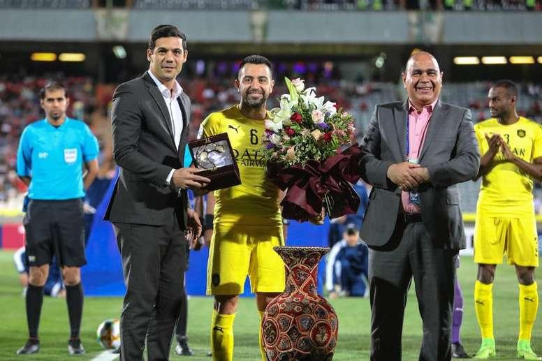 Xavi dá adeus ao futebol em dia de homenagens e agradecimentos