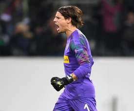 Sommer signs new Borussia Monchengladbach contract. GOAL