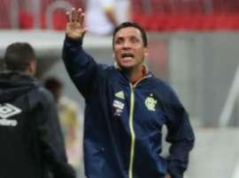 Vários defensores podem atuar de início no Flamengo. Goal