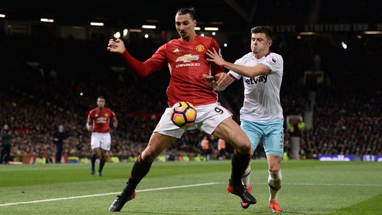 Zlatan Ibrahimovic Aaron Cresswell Manchester United West Ham United Premier League 27112016