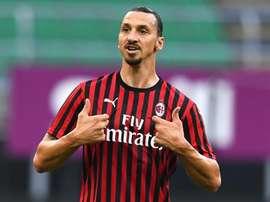 Milan avance vers l'Europe, Naples cale. GOAL
