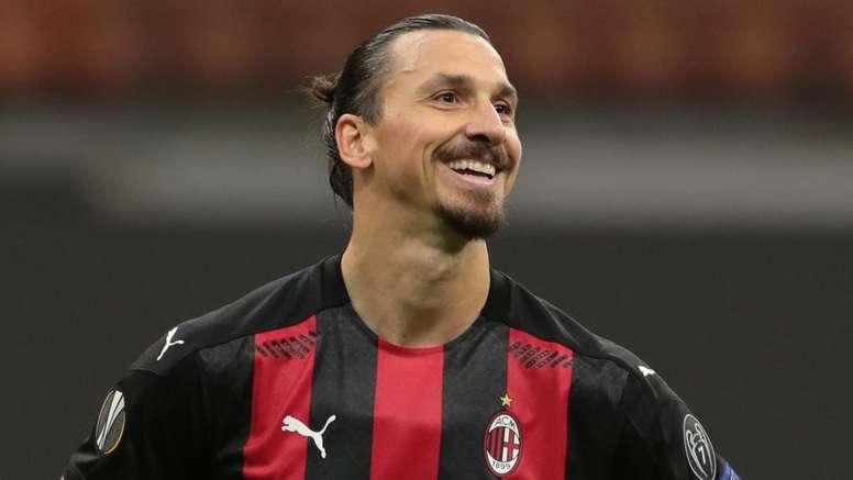 Totti rend hommage à Zlatan. Goal