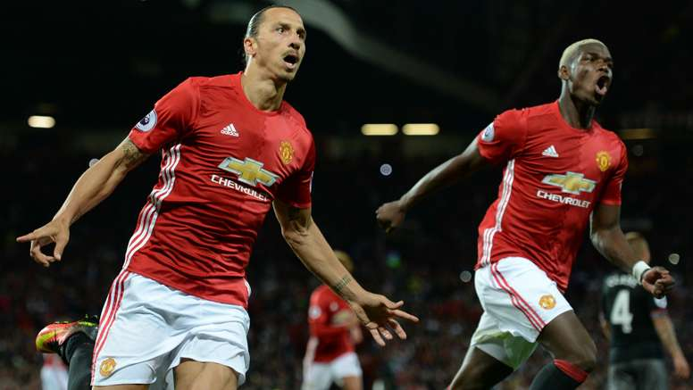 Ibrahimovic (L) and Pogba (R) were among the United stars to visit children in hospital. Goal