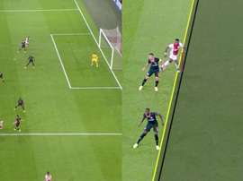 Gol anulado a Promes ante el Chelsea. Captura/Movistar