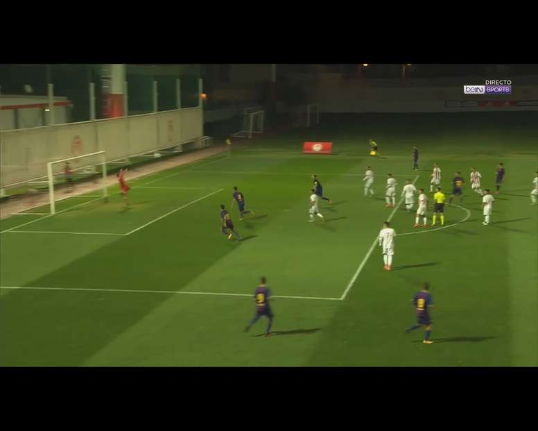 Gol de Álex Collado no Olympiakos-Barcelona. BeINSports