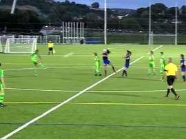 La joueuse a repris le ballon sur un six mètres de la gardienne adverse. Twitter/NorthenIreland