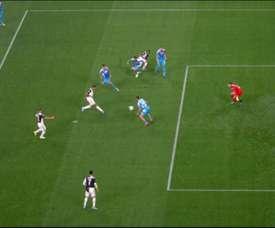 Danilo estreia na Juve com gol. Captura/Vamos