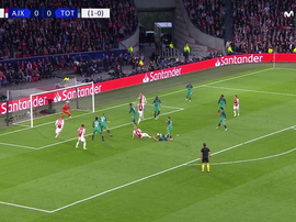 Aos cinco minutos De Ligt marca o primeiro. Captura/Movistar