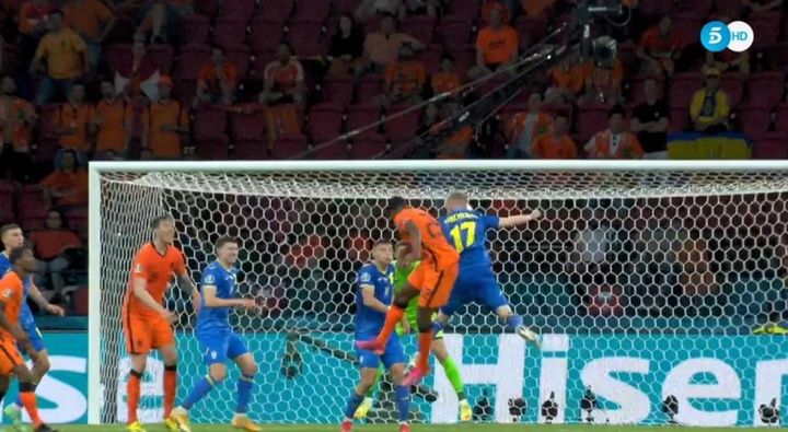 L'Olanda vince al debutto. AFP