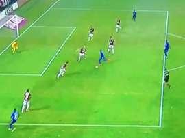 O Emelec sai na frente e surpreende o Flamengo. Captura/Fox