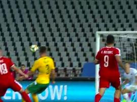 Jovic fez o 3-0 a favor da Sérvia. Captura