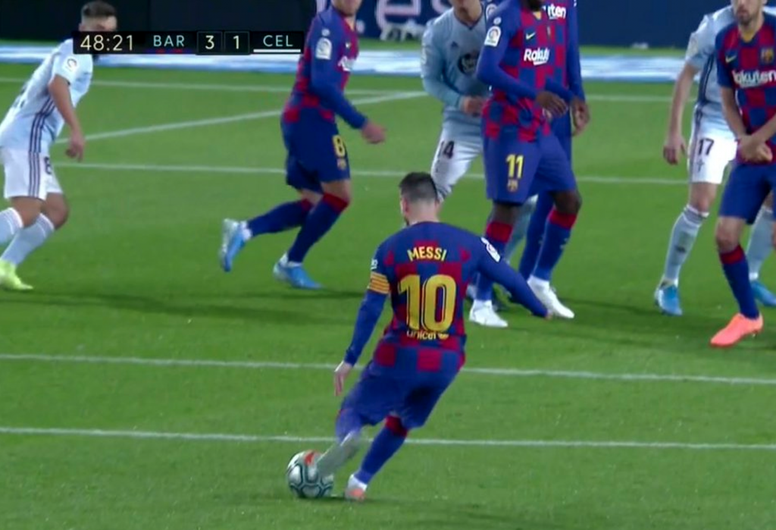 Messi sur coup franc. Captura/Movistar