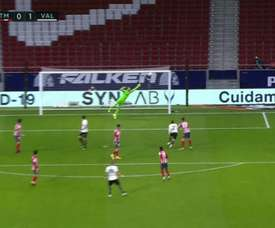 The left-footed missile from Racic that put Valencia in front. Screenshot/MovistarLaLiga