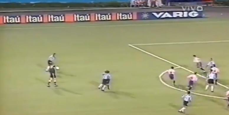 Ronaldinho recordó su gol a Chivas en la Libertadores. Captura/SporTV