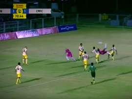 Buen gol en la Segunda División de Tailandia. Youtube