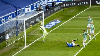 Steven Davis hizo uno de los goles. Captura/RangersFC