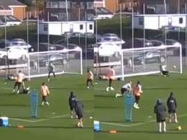 Benalouane protagonizó el mejor gol del entrenamiento. Captura/LCFCTV