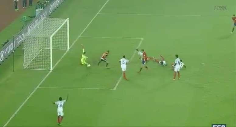 O gol de Sergio Gómez que colocou a Espanha em vantagem - BeSoccer 9fe9fe2d51707