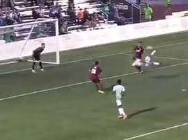Golazo de chilena de Miguel González en la USL en el partido OKC Energy-Sacramento. Youtube