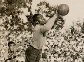 Goleiro Barbosa foi lembrado pelo Vasco no Dia da Consciência Negra. Twitter @VascodaGama