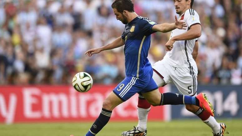 Higuaín missed. AFP