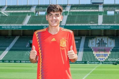 Villar, eufórico tras su debut. ElcheCF