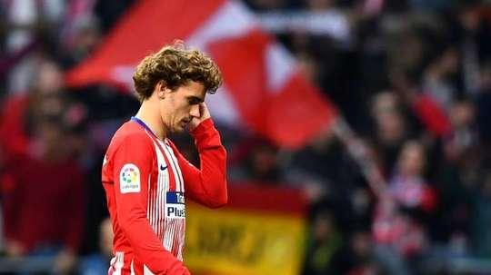 Segundo Lizarazu, Griezmann está a sofrer com a falta de brilho ofensivo do Atlético. AFP