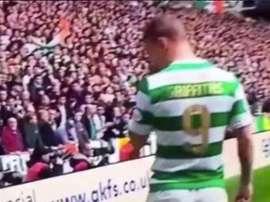 Griffiths deixou uma recordação na bandeira de escanteio do eterno rival. Twitter