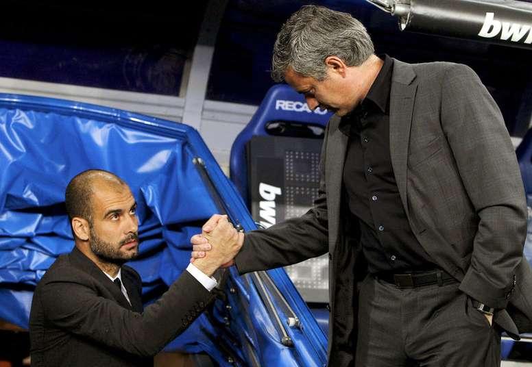 Mensaje de bienvenida con piropos de Guardiola a Mourinho. EFE