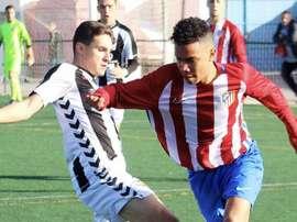 El jugador del filial atlético se puso a las órdenes de Simeone. ClubAtléticoMadrid