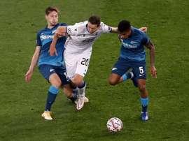 De Ketelaere se estrenó como goleador en Champions. EFE