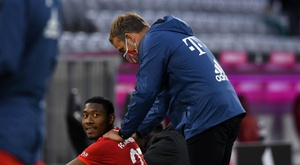 Hansi Flick with David Alaba who could soon leave. EFE