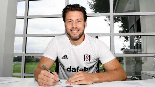 Harry Arter arrive en prêt à Fulham. Twitter/FulhamFC
