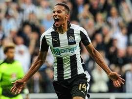 Hayden celebra su gol, el primero del Newcastle ante el Reading. NUFC