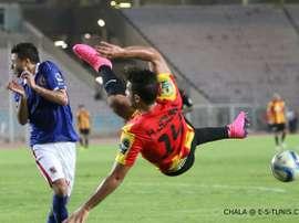 Jouini, joueur de l'Espérance Tunis en pleine action. Chala/E-S-Tunis